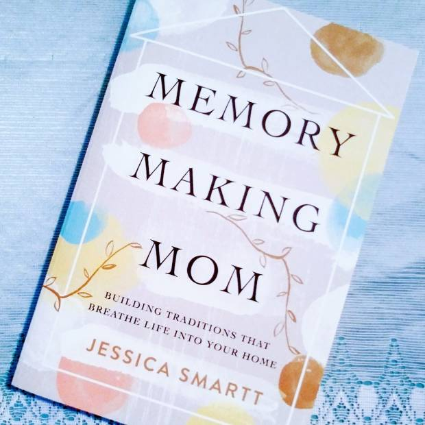 Book Review: Memory Making Mom